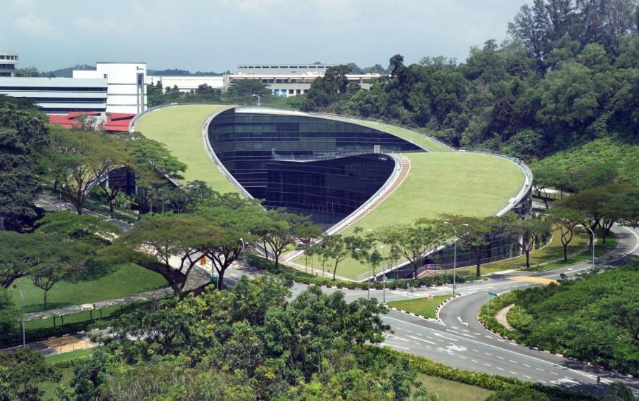 """Училище по изкуство, дизайн и медии към Tехнологичен университет """"Nanyang"""", проект на CPG Consultants,  2006 (Сингапур)"""