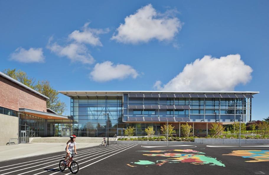 Начално училище Carl Sandburg, проект на NAC Architecture, 2014 (Къркланд, Вашингтон)