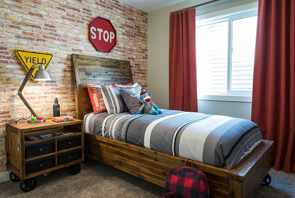 Дървено легло детска стая
