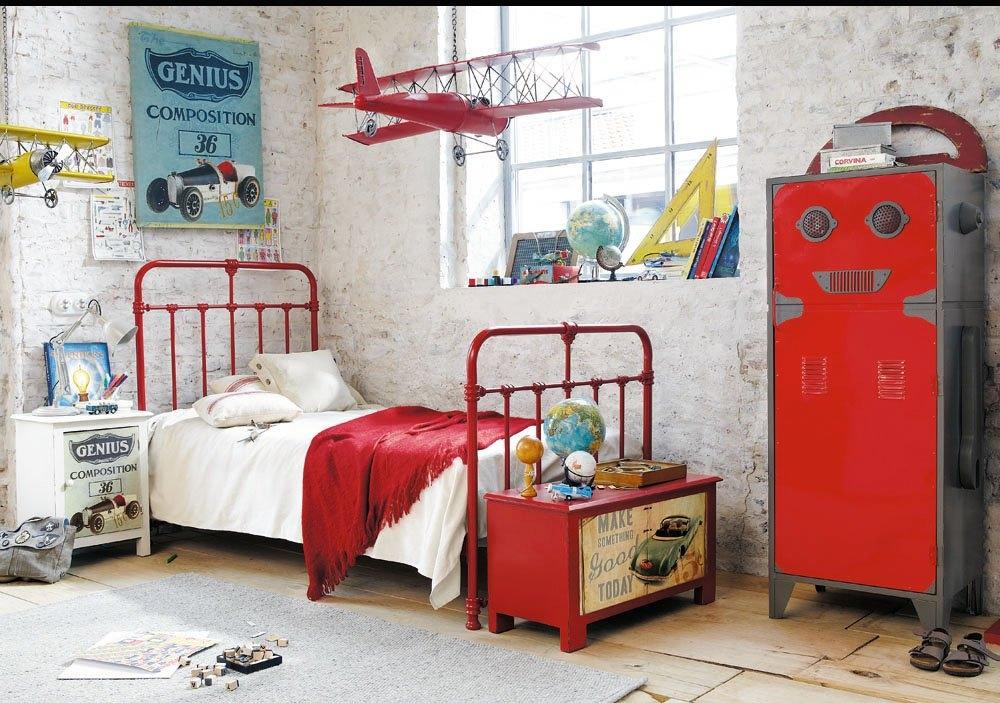Детска стая ковано желязо тръби