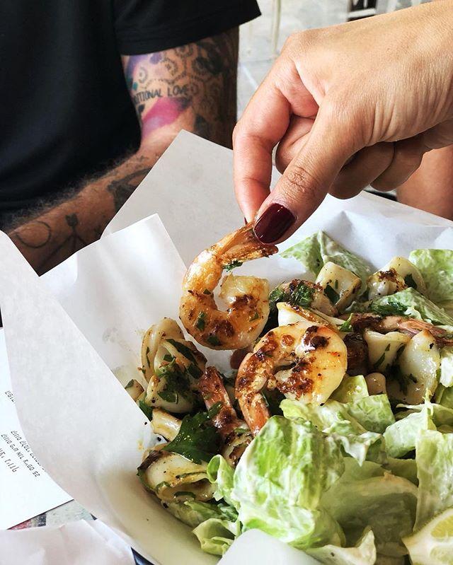 תפסנו מרובה, לא פספסת 🍤 . . . #josephnsons #tlv #telaviv #foodporn #dinner #catchit #myfood #salad #fishandchips #food #eat #eatwell #telavivfood #tlvfood #myfood #instafood #foodie #foodies