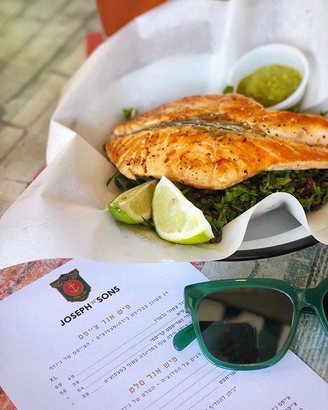 מה יותר מפחיד רעידת אדמה  או הטעם של פילה הסלמון שלנו? 😅 . . .  #josephnsons #tlv #telaviv #foodporn #dinner #catchit #myfood #salad #fishandchips #food #eat #eatwell #telavivfood #tlvfood #foodgasm #myfood #instafood #foodie #foodies #beer #israel #bestbeer #cool