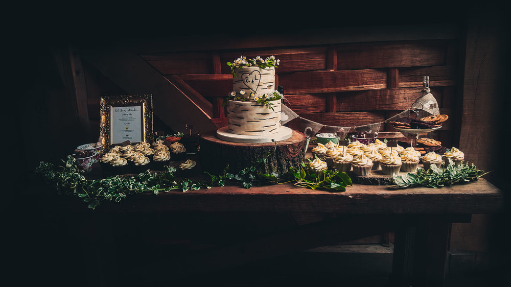 Unique rustic wedding cake.JPG