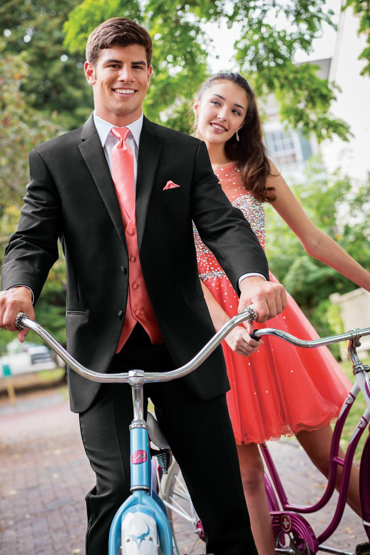 Roberts-Tux-Shop-930_manhattan_prom_bikes_14.jpg