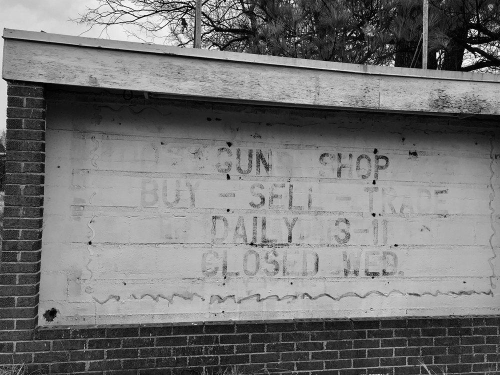 gun shop starlite .JPG