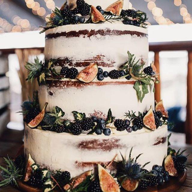 Perfect for an October wedding! #weddingcake #autumn #october