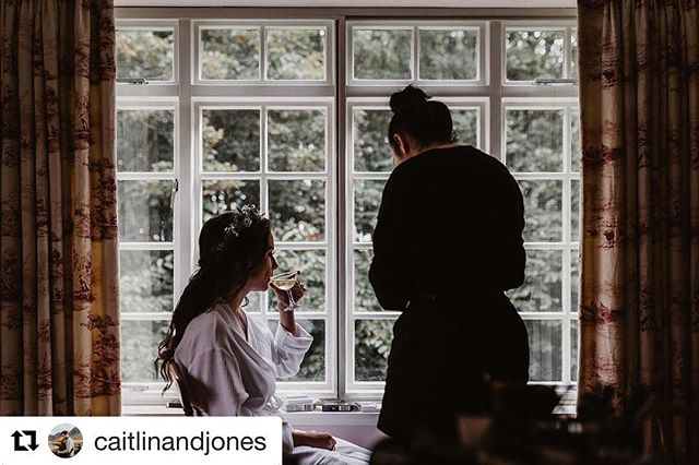 We love natural shots ❤️ #Repost @caitlinandjones ・・・ Just delivered Carol and Patrick's lovely Scottish wedding, we will be sharing more for sure. #weddingphotography #naturalshot