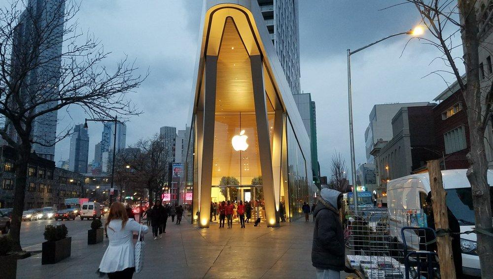 Apple Brooklyn 2.jpg
