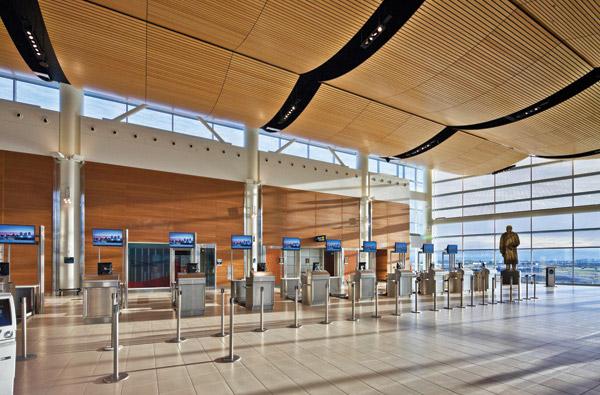 2012_id_wpg-airport_2.jpg