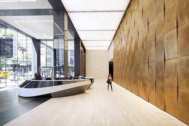 🏢 A beautiful NYC skyscraper lobby that straddles the line between corporate restraint and contemporary culture. Luminous ceilings were used to provide diffuse light while mirror glass columns and oiled-brass wall panels bring a sense of craft to the space🔸 ———————————————— Project: 605 3rd Avenue, Manhattan (40th and 3rd) Architect/Designer: @rockwellgroup Ceiling/Wall Product: TOB3M Luminous Stretch Ceilings, Oil-Rubber Brass Wall Panels ———————————————— ✍🏼 Contact Design Strategies for more: @designstrategies. Additional information on this project available in our website case studies.