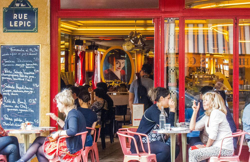 Paris_Café_des_2_Moulins_2.jpg