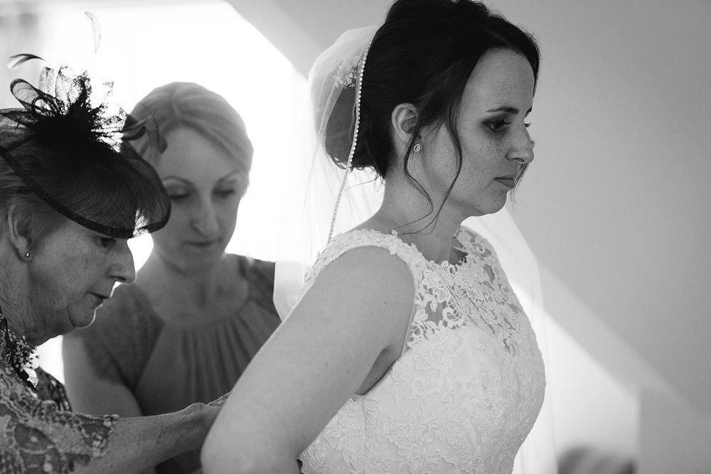 Wedding Photographer Worcester Springhill Barn 015.jpg