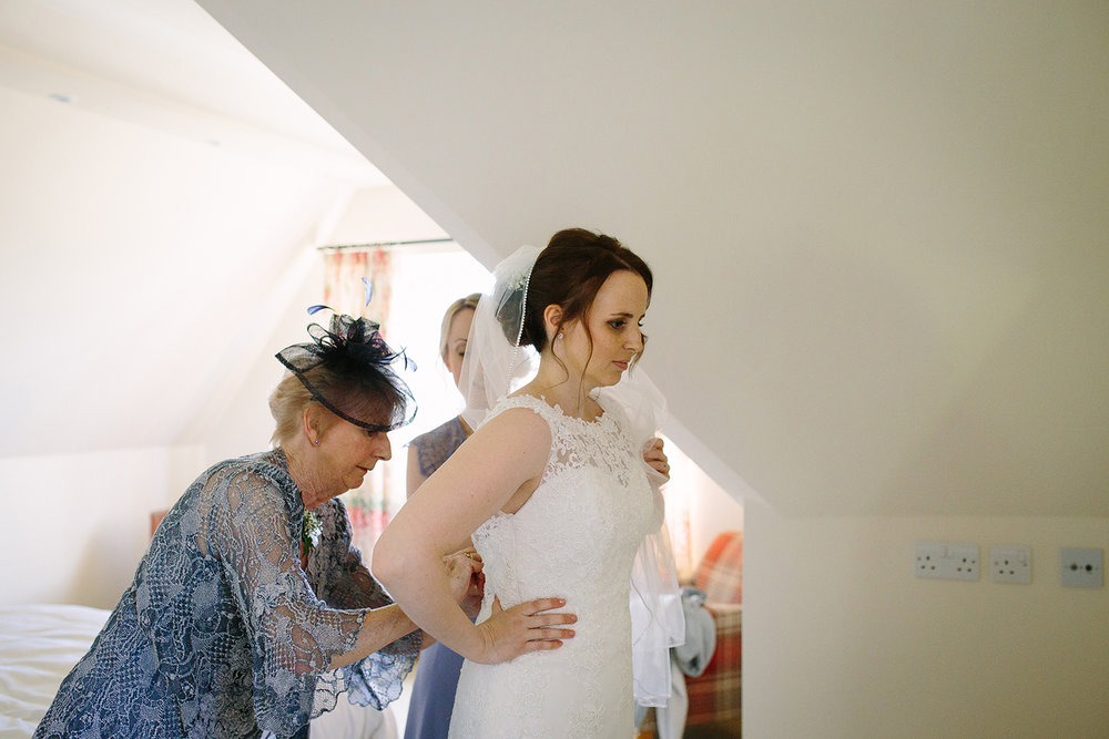 Wedding Photographer Worcester Springhill Barn 016.jpg