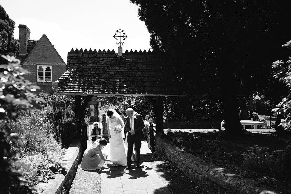 Wedding Photographer Worcester Springhill Barn 023.jpg