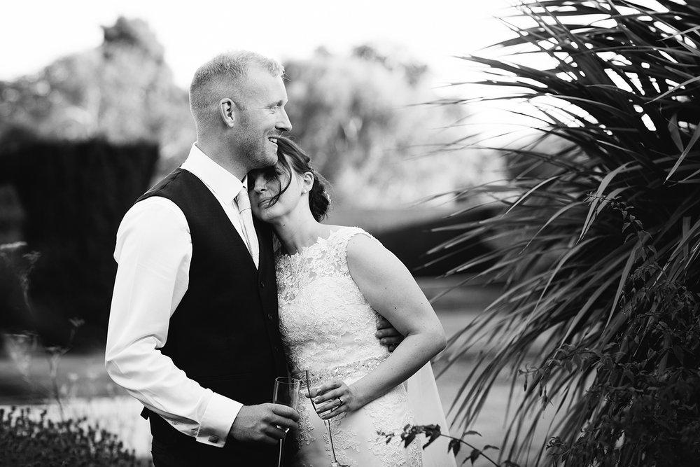 Wedding Photographer Worcester Springhill Barn 072.jpg