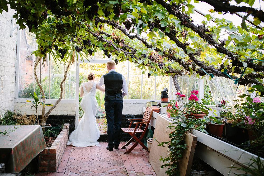 Wedding Photographer Worcester Springhill Barn 077.jpg