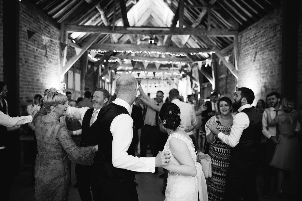 Wedding Photographer Worcester Springhill Barn 091.jpg