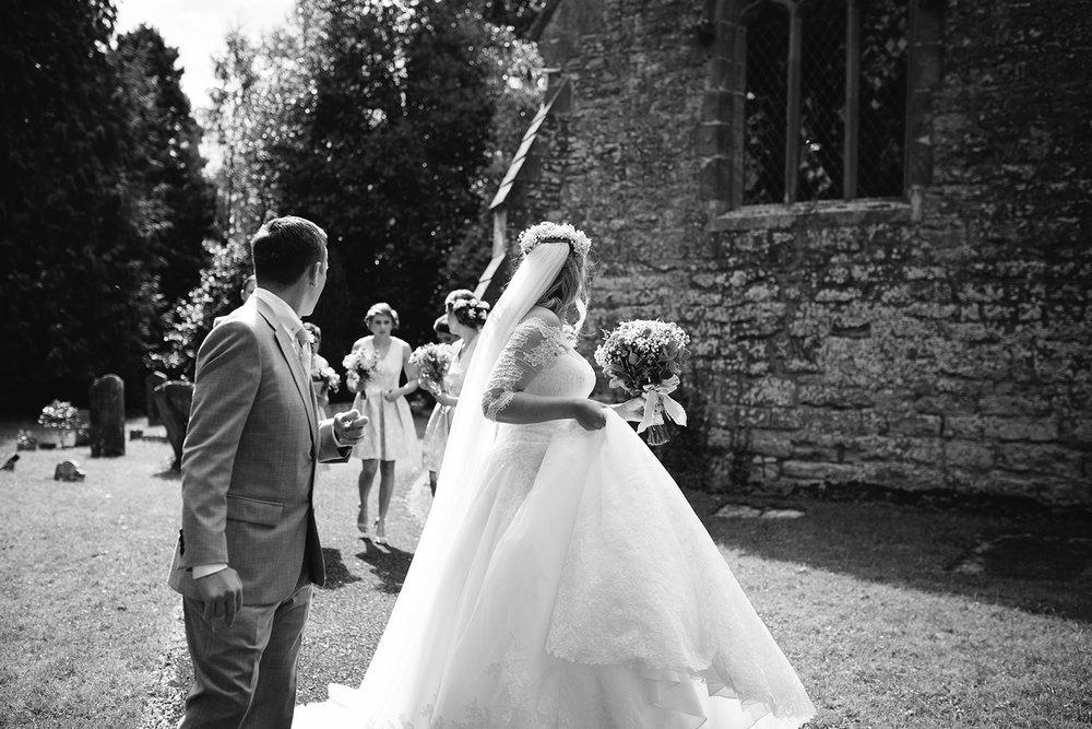 worcester-wedding-photographer-birtsmorton-court (30).jpg