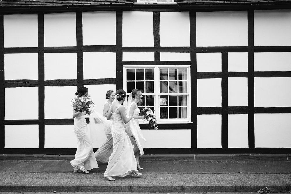 creative-wedding-photographer-worcester-030.jpg