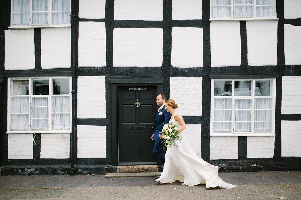 creative-wedding-photographer-worcester-049.jpg
