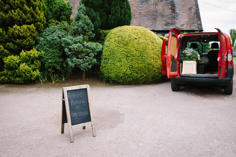 bordesley-park-farm-wedding-photography-003.jpg