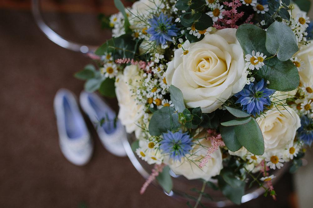 bordesley-park-farm-wedding-photography-008.jpg