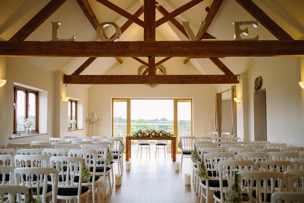 bordesley-park-farm-wedding-photography-028.jpg