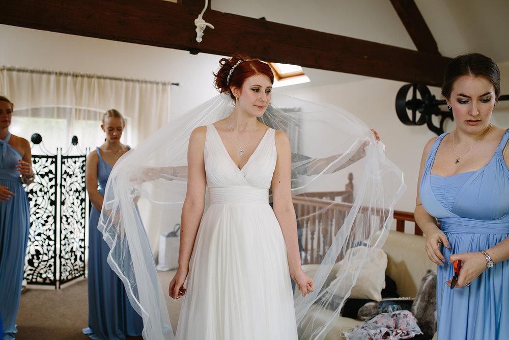 bordesley-park-farm-wedding-photography-032.jpg