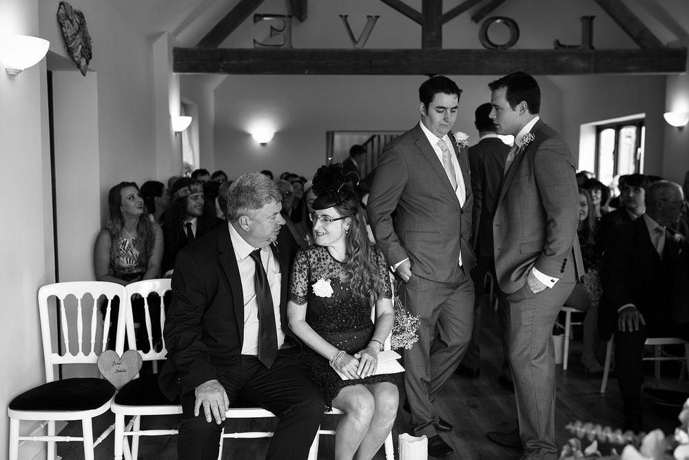 bordesley-park-farm-wedding-photography-037.jpg