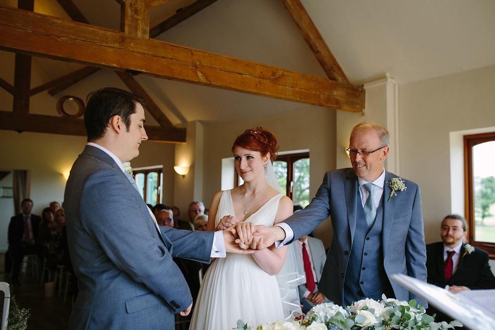 bordesley-park-farm-wedding-photography-043.jpg