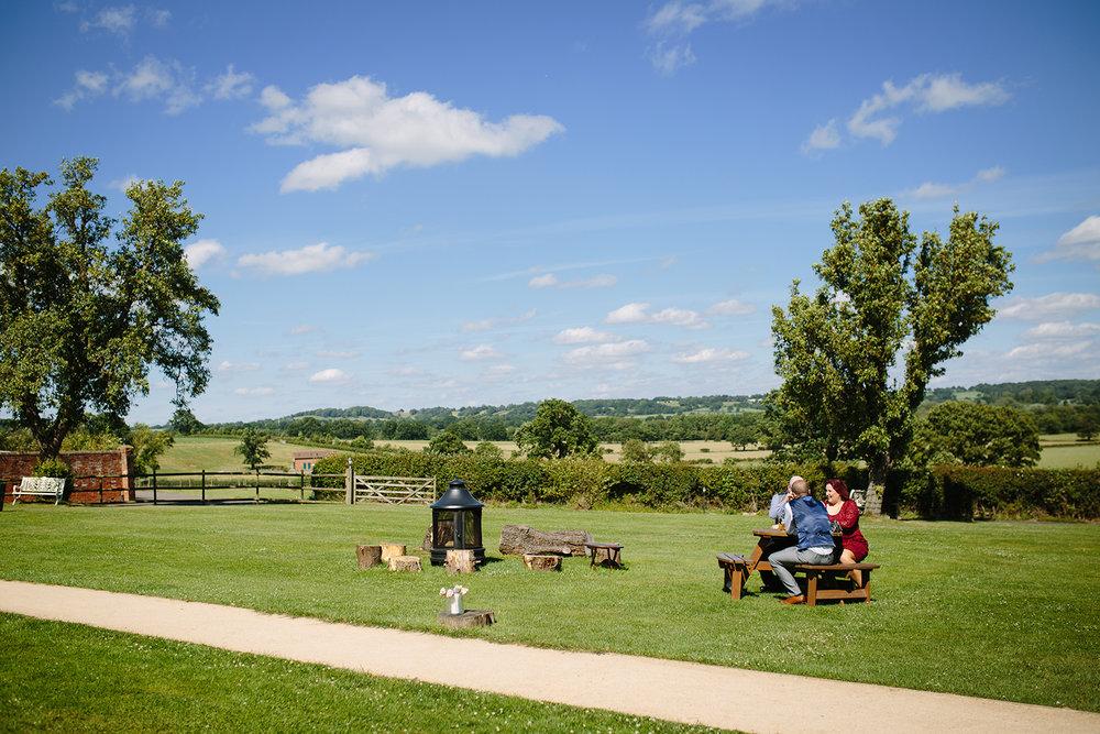 bordesley-park-farm-wedding-photography-088.jpg