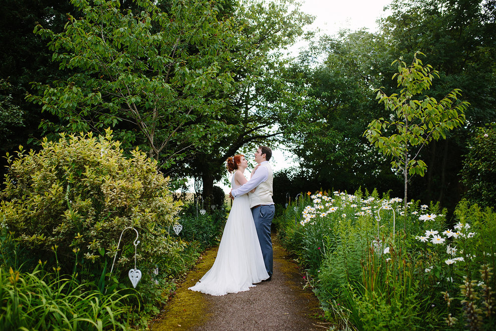 bordesley-park-farm-wedding-photography-100.jpg