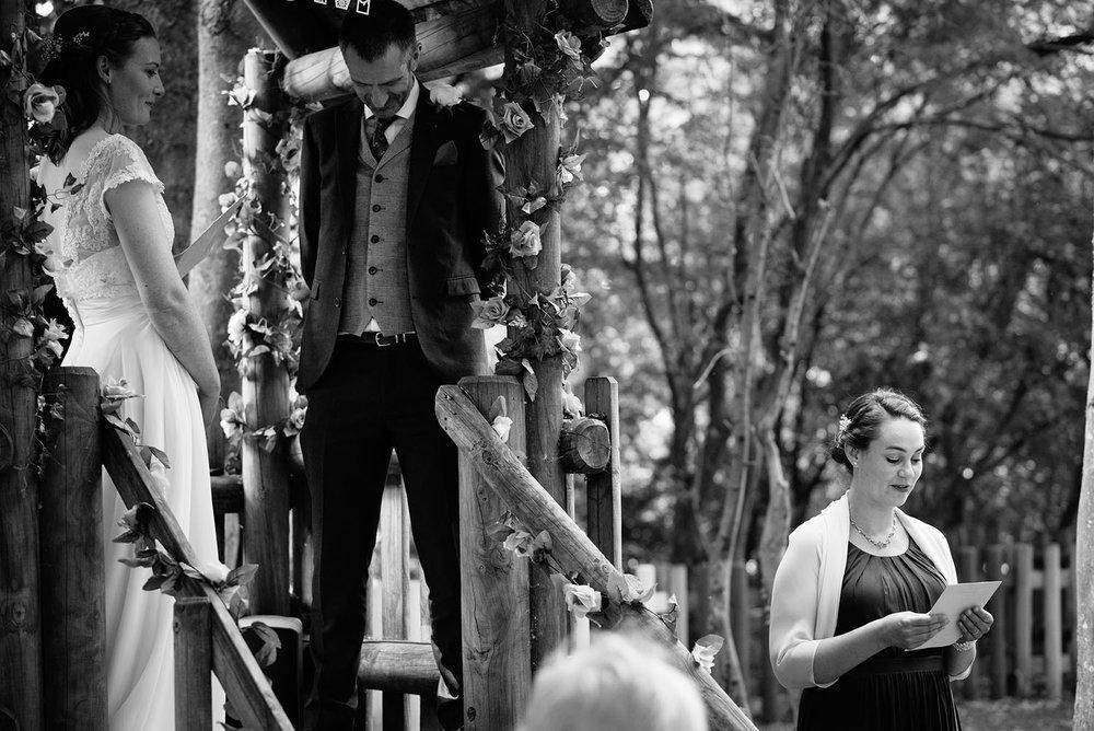 avoncroft-museum-bromsgrove-wedding-043.jpg