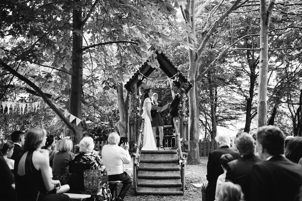 avoncroft-museum-bromsgrove-wedding-047.jpg