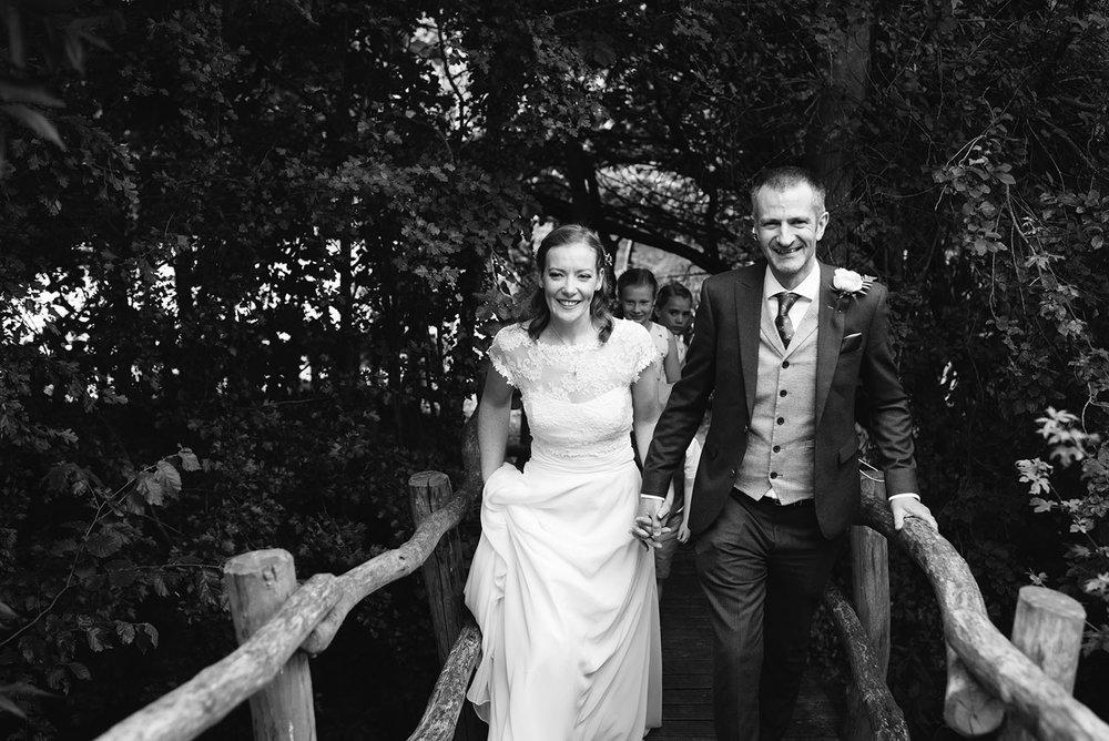 avoncroft-museum-bromsgrove-wedding-060.jpg