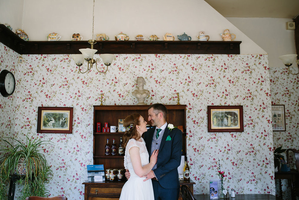 avoncroft-museum-bromsgrove-wedding-106.jpg
