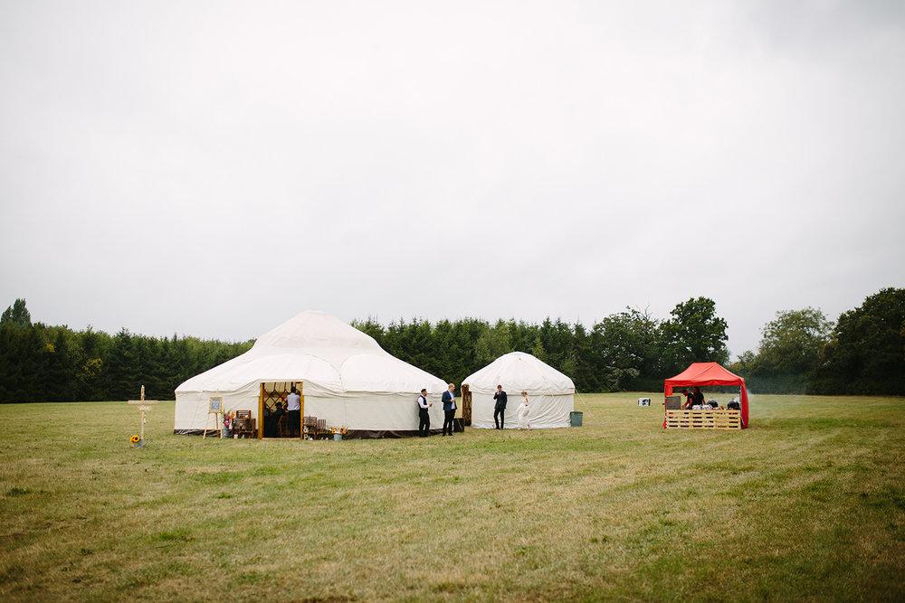worcester-wedding-photographer-outdoor-ceremony-080.jpg