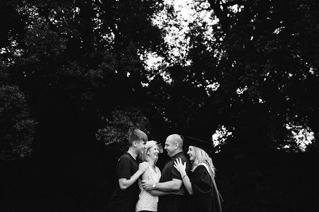 Family ❤️❤️❤️❤️ . . . . . #family #families #familyphoto #familyphotography #samjayne #samjaynephotography #familyportraits #familymoments #familyhome #kids #children #familytogether #rockmyfamily #worcesterfamilyphotography #worcestershirefamilyphotography