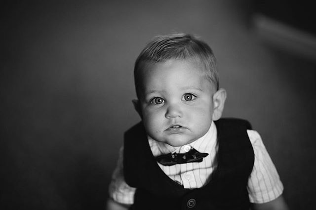 Look at those cheeks!! 😍😍😍 . . . . #wedding #weddingphotography #bridetobe #justmarried #weddingphotographer #creativephotography #documentaryweddingphotography #documentaryphotography #photography  #samjaynephoto #samjayne #bridalfashion #rockmywedding #weddinginspiration #weddingideas #buzzfeedwedding #vsco #weddinghour #quirkywedding #lookslikefilm #kidsatweddings @mrs_p_copeland @kimmy3000uk @ianacopeland