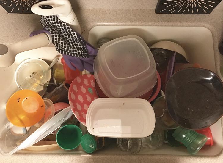 momlife_sahm_workingmom_dishes