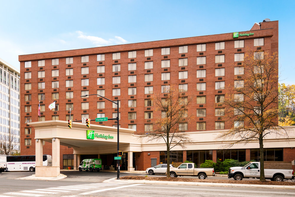HOLIDAY INN &ARLINGTON CENTER - Arlington, VA
