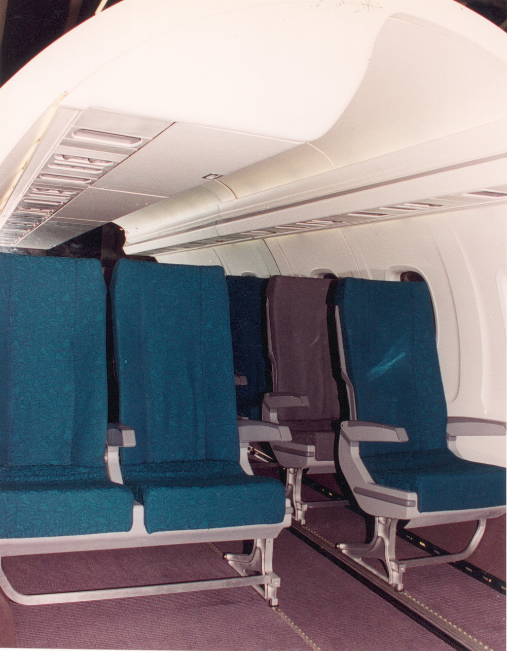 Embraer 145 Mock-up 2 .jpg