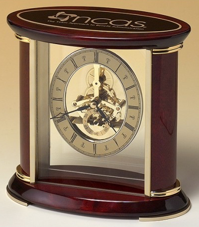 Minneapolis-corporate-gifts-glass-clock-broadyway-awards.jpg