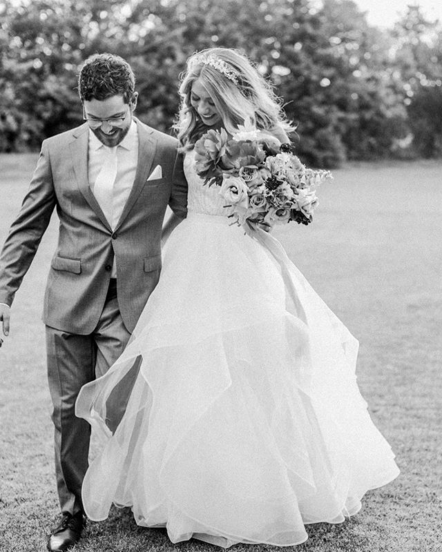 Sooo many romantic moments from yesterday's wedding! Watch the full next day preview in my stories now 👆😍 Planning + design / @gritandgoldweddings Floral / @mossfloral  HAMU / @meaganbechtel  #shannonsklossphotography #gritandgoldfw #fireflygardens #blackandwhite #justmarried