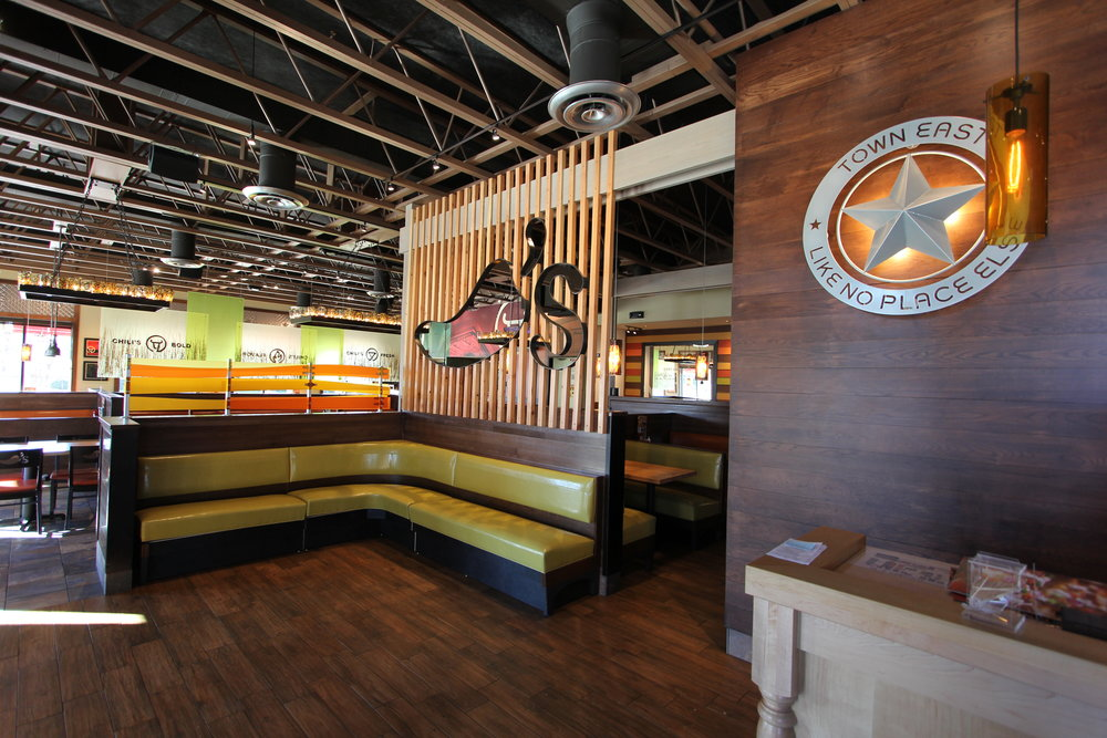 gtc chili's divider wall and sheriff star in town east.jpg