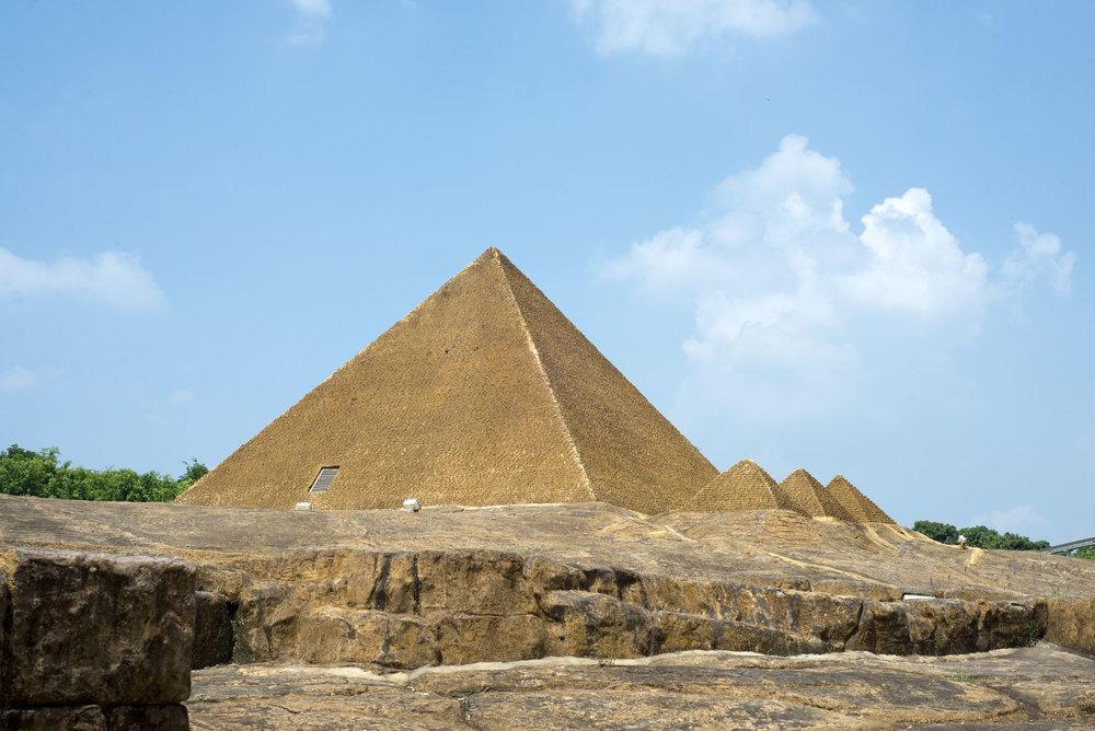 Alex Strada, Great Pyramids of Giza. Shenzhen, China., 2015