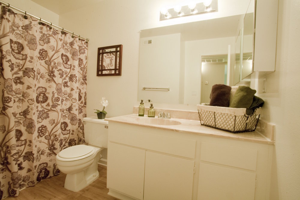Dakota Creek Kitchen Bathroom