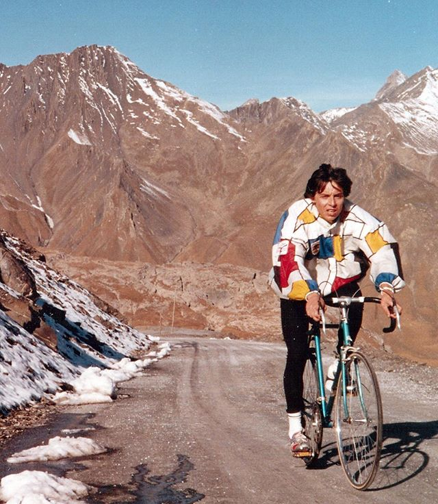 Check out this absolute GEM from our friend and photographer in the Alps, Yves. Climbing Galibier in 1987. Toe cages? Steel? Gravel? RADICAL cycling jacket? Check check check. Panache as fuck.