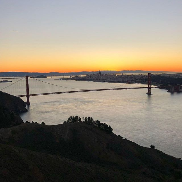 "Original Headlands Raider and Forever MC alum @bdbfc capturing that sweet reward for waking up and doing the climbing.  Reposting @bdbfc: ""#wymtm #rccsea #missioncycling  beautiful morning for a ride.  Clear skies clear hearts can't lose !"""