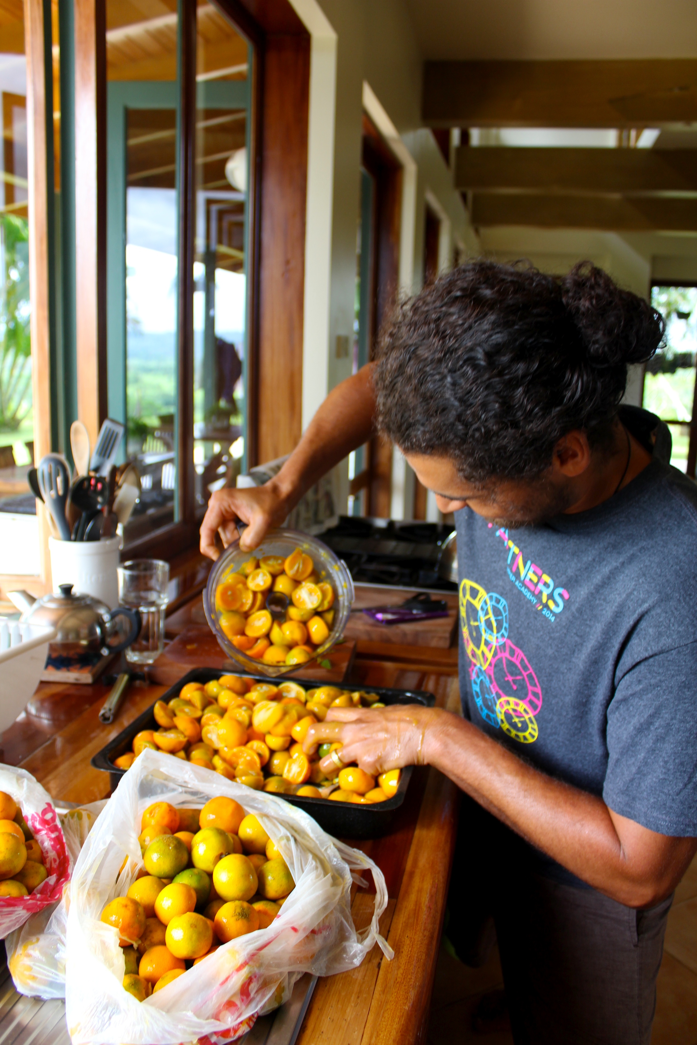 Jack processing kumquats